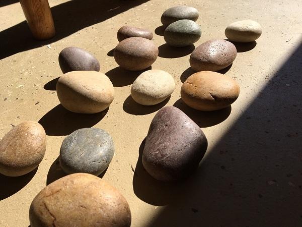 DIY-garden-markers-river-rock-4